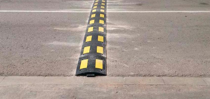 Estrategias para calmar el tráfico: Speed Bumps vs. Speed Humps